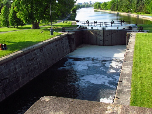 Rideau Canal, Hartwell Locks from Wikimedia (a cover picture of the book is unavailable)
